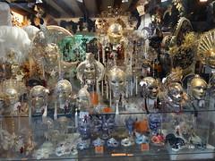 2011 05 23 Venice - Mask shop window