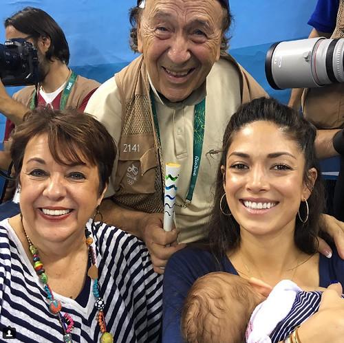 Com a sogra e Giuliano Bevilacqa, o mais antigo fotógrafo das olimpíadas,