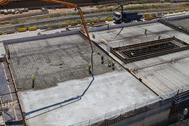 Hormigonando segunda losa de la cubierta de la nueva estación de Sant Andreu - 25-06-12