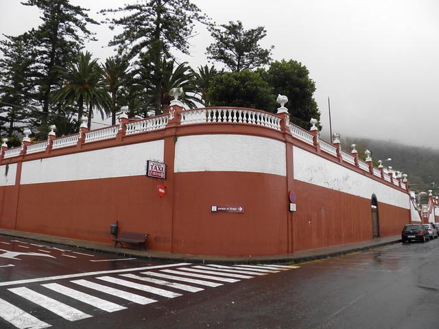 Указатель к парку драконовых деревьев // Sign to Parque del Drago