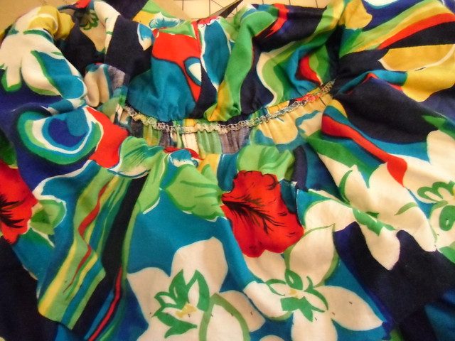 Hawaiian Dress Recon - collar ruffle, outside