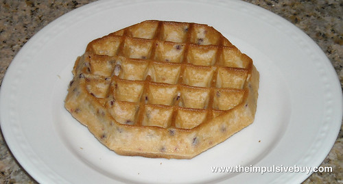 Kellogg's Eggo Thick & Fluffy Mixed Berry Waffles Closeup