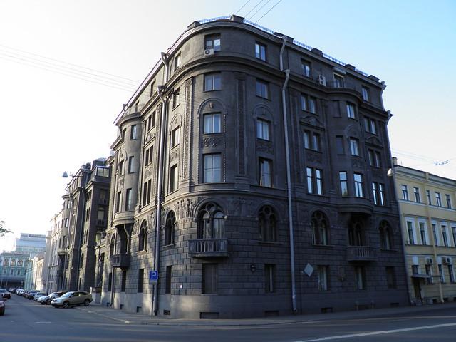 д. 41, проспект Римского-Корсакова // House