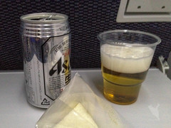 機内でビール