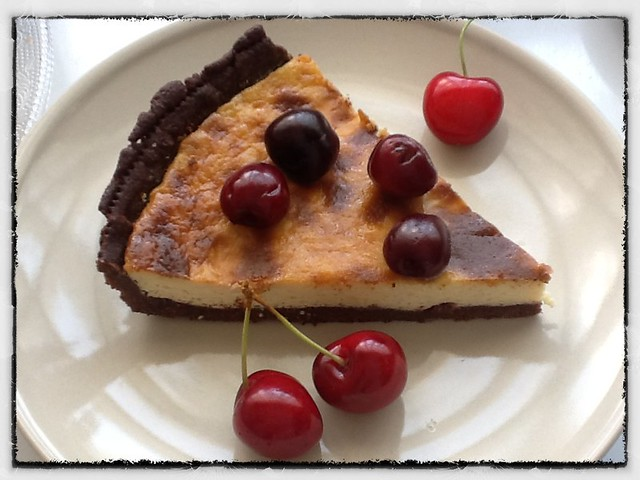 Tarta de cerezas y chocolate blanco
