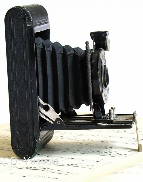 1930 Kodal Model-B Camera