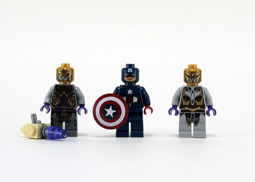 6865 Captain America's Avenging Cycle - Figs