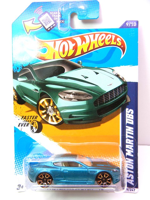 hot wheels aston martin dbs green (1)