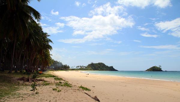 Nacpam Beach