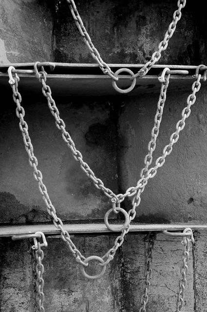 120609_chain