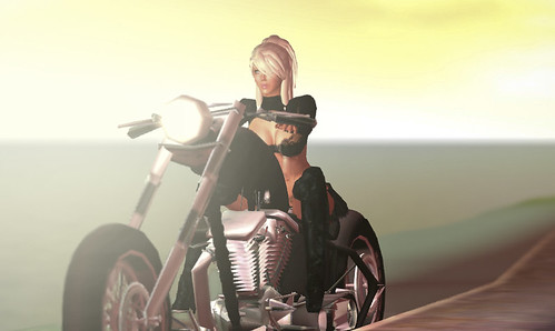 KlKl on the bike by Fred (AnselCash)