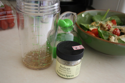Salad dressing OXO salad dressing shaker