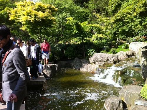 holland park fountain