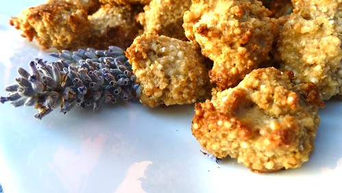 Biscotti d'orzo alla lavanda - Lavander barley cookies