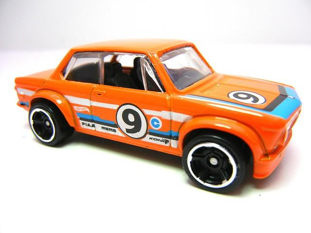 hot wheels bmw 2002  (3)
