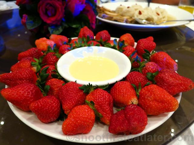 fresh strawberries & condensed milk