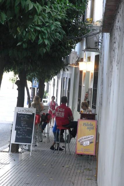 calle San Fernando, bar la Poperia.