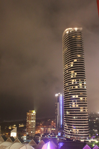 Broadbeach Building by holidaypointau