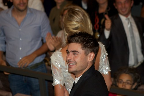 At Any Price Premiere: Zac Efron & Maika Monroe
