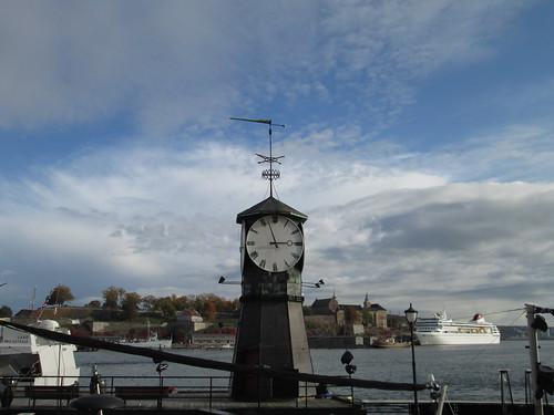 Fortaleza de Akershus desde Aker Brygge. Oslo