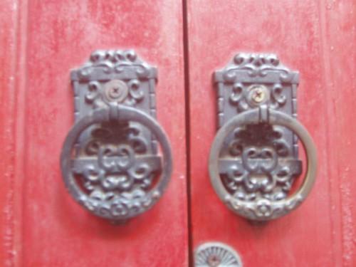 201003040027_GB-door-handles