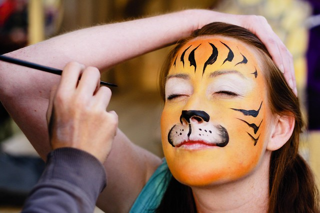 Playgroup Festival 2012 - Face painting a tiger