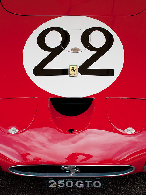 Ferraro 250 GTO - bonnet detail