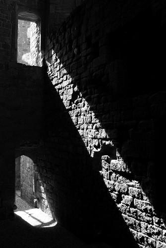 20120909-16_Kenilworth Castle B+W by gary.hadden