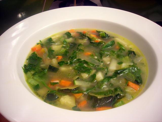 Minestra di zucchine e scarola