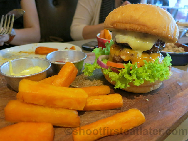 the house burger P395