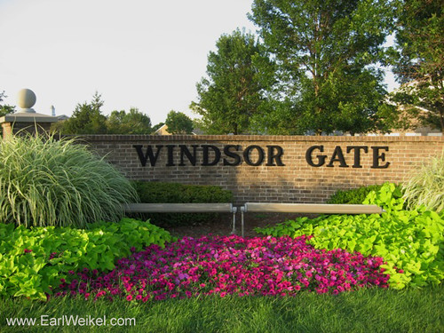 Windsor Gate Condos For Sale Louisville KY 40299 Condominiums off S Hurstbourne Pkwy at Yardley Ct by EarlWeikel.com