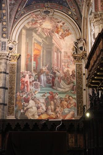 20120808_4993_Siena-duomo-interio