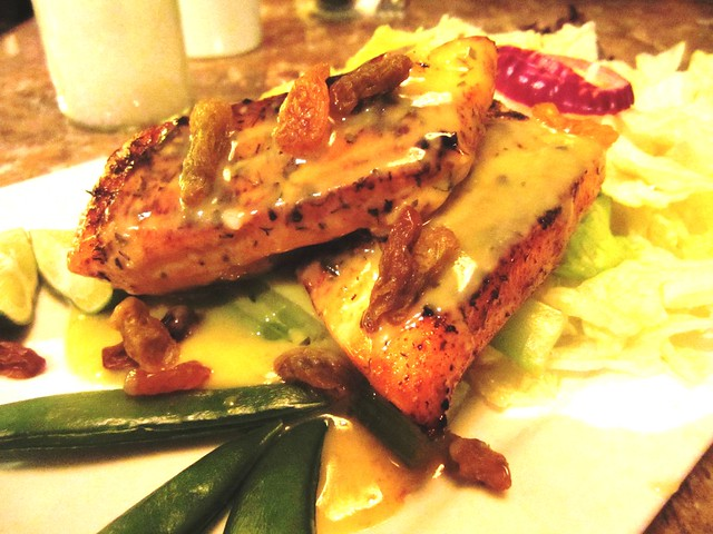 Grilled Norwegian salmon with lemon butter sauce
