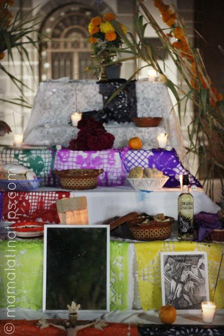 altar_de_muertos_Iglesia_mamalatinatips