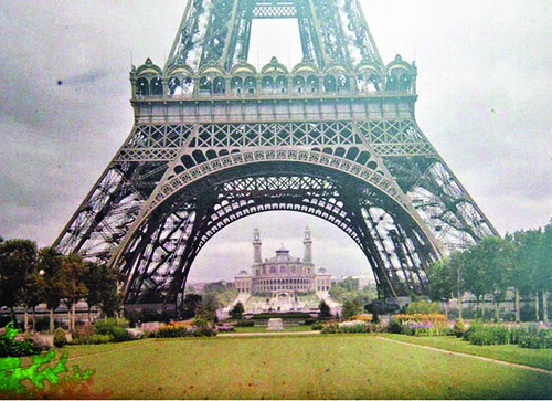 Eiffel Tower 1914