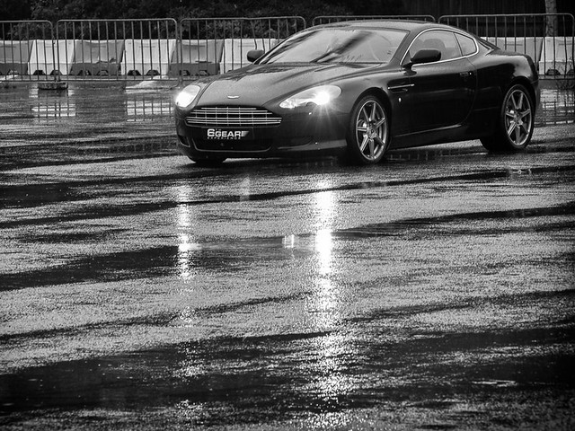 Aston Martin DB9 preparing for a few more laps