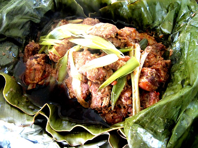 Leaf-wrapped pork-pongteh 1
