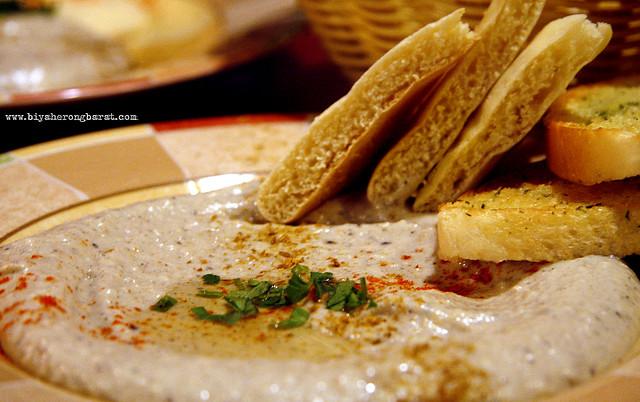 Lebanese Hummus in Amirah's Grill Arab Street Singapore