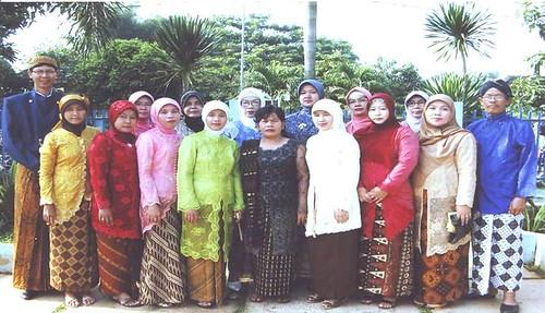Foto guru dan karyawan 2