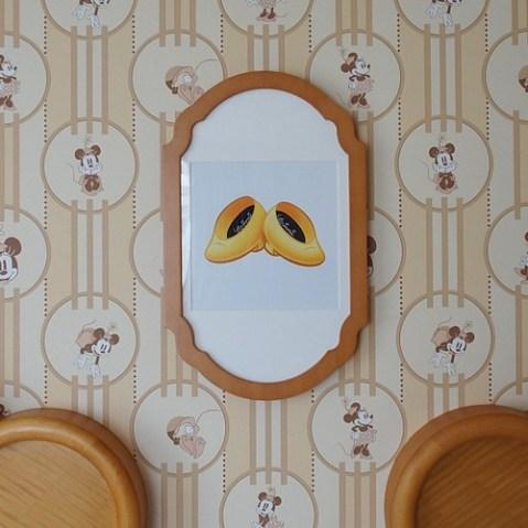 ミニーマウスルーム。壁紙。