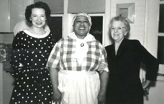 Jane Sheal, Aunt Jemina and Lillian Caldwell (nee Oram) in the Ohio Govenors Mansion Kitchen. Aunt Jemina is no doubt not here real name but at the time was an acceptable nick name for a black lady.