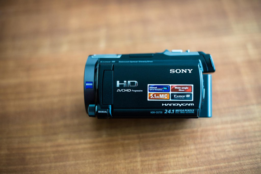 Sony HDR-CX730