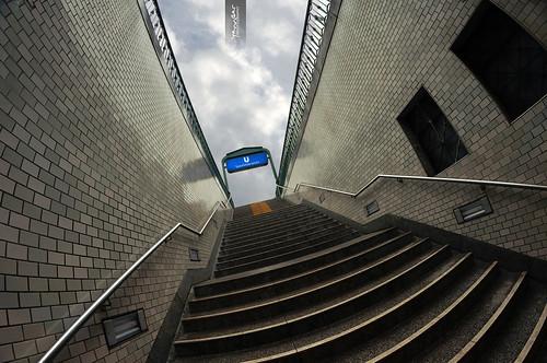 Metro Berlin SenefelderPlatz by YannGarPhoto.wordpress.com