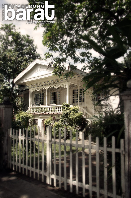 heritage old houses in Pila Laguna