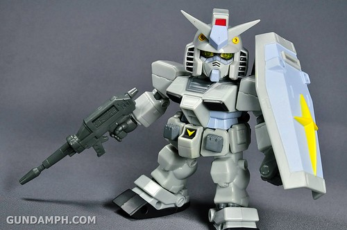 SDGO RX-78-2 (G3 Rare Color Variation) Unboxing & Review - SD Gundam Online Capsule Fighter (26)