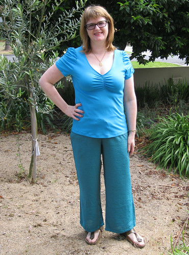StyleARC Alice top with StyleARC Kerry (cargo) pant
