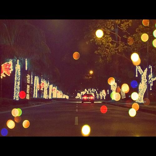 Pasko na sinta ko. Taken 12.4.12. #manila #philippines #photographyeveryday #christmas #streetlights #iphoneonly4s #picoftheday #photooftheday #awesomephotos #xmas #igersasia #igersjapan #igersmanila #instaphilippines #instamood #gf_philippines #cityscape