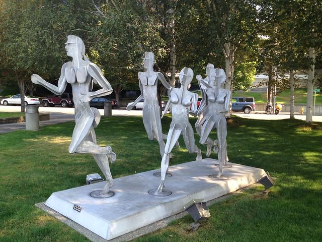 Runners statue