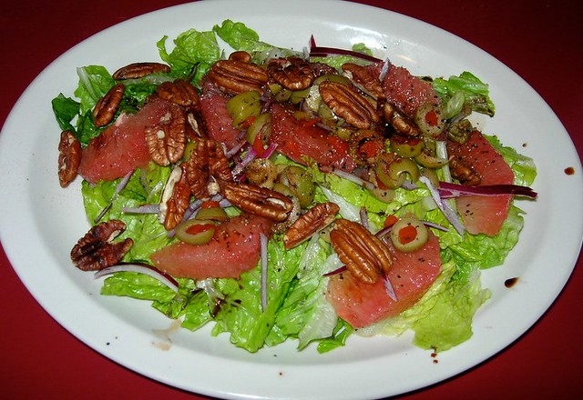 Grapefruit & Pecans Salad