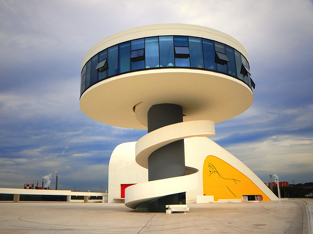 In Memoriam Oscar Niemeyer